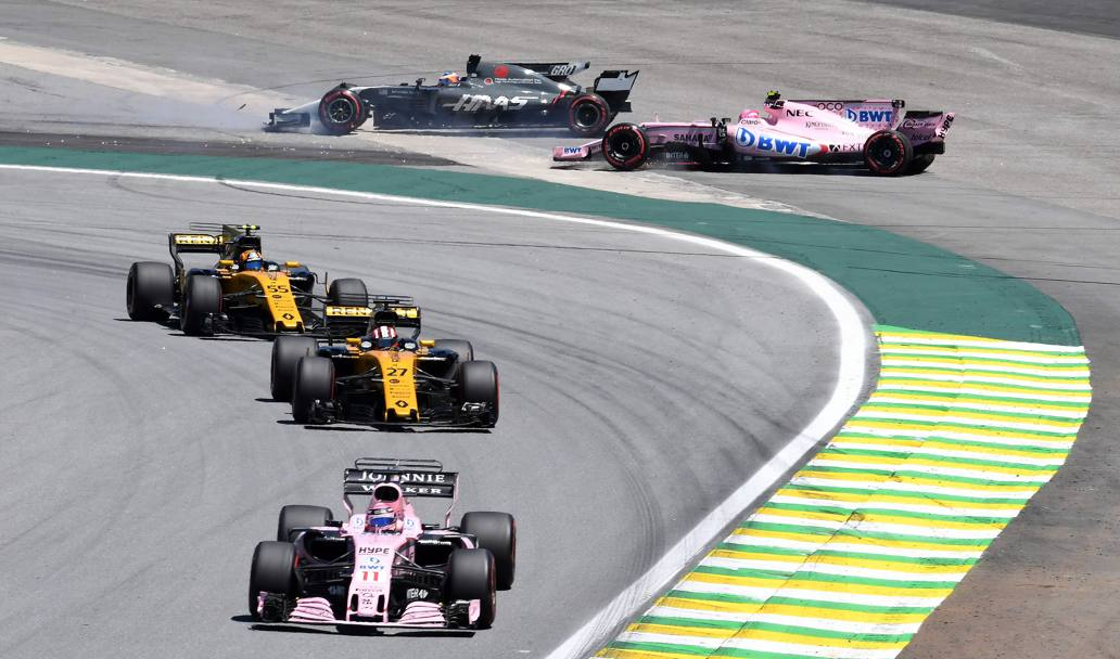 Incidente tra Grosjean e Ocon. Afp